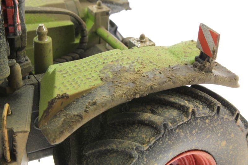 Wiking 7308 – Claas Xerion 5000 Trac VC verschmutzt hinten links nah