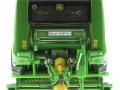 Wiking 7316 - John Deere Rundballenpresse 990 vorne