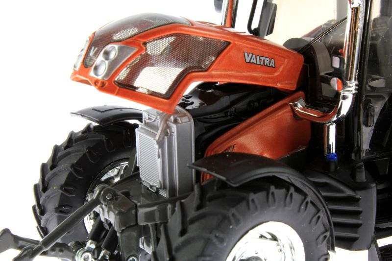 Wiking  - Valtra N143 HT3 Unlimited Sondermodell Agritechnica 2015 Motor links