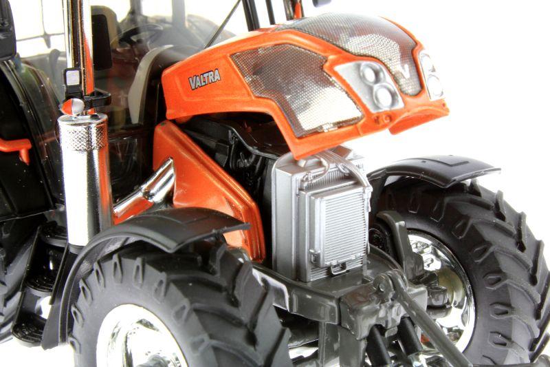 Wiking  - Valtra N143 HT3 Unlimited Sondermodell Agritechnica 2015 Motor rechts