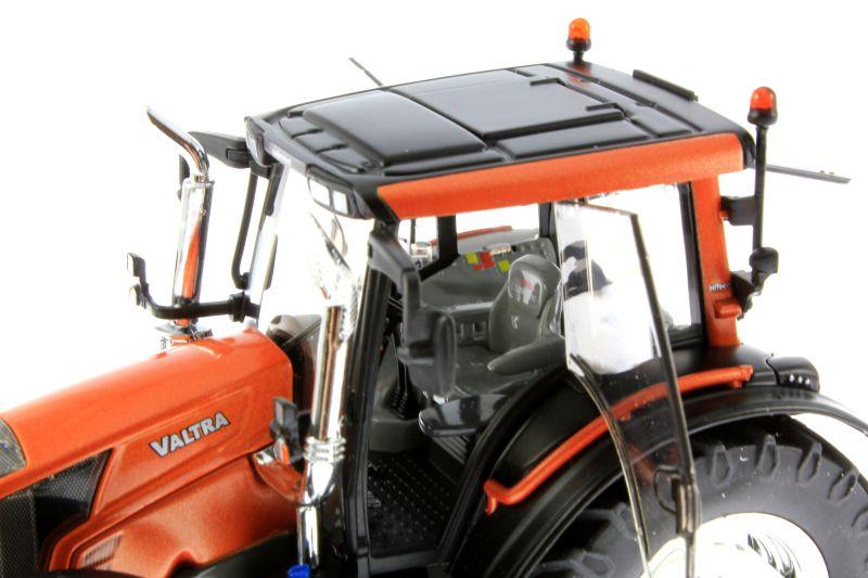 Wiking  - Valtra N143 HT3 Unlimited Sondermodell Agritechnica 2015 Sitz