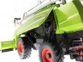 Wiking 7818 - Claas Tucano 570 mit Maisvorsatz Conspeed 8-75 Motor links