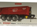 Wiking 7826 - Krampe Kipper Hakenlift THL 30 L mit Abrollcontaine Big Body 750 Karton vorne