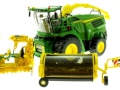 Wiking 7832 - Selbsfahrender Feldhäcksler John Deere 8500i mit Gras Pickup Übersicht