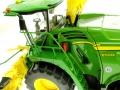 Wiking 7832 - Selbsfahrender Feldhäcksler John Deere 8500i mit Gras Pickup Feuerlöscher