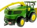 Wiking 7832 - Selbsfahrender Feldhäcksler John Deere 8500i mit Gras Pickup hinten rechts
