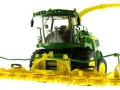 Wiking 7832 - Selbsfahrender Feldhäcksler John Deere 8500i mit Gras Pickup unten vorne links