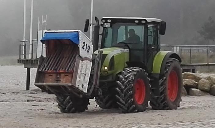 Claas Ares 557 mit Frontlader Strandkorbernte