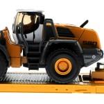 Siku 3933 - Scania R620 mit Radlader Liebherr 580