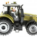 Universal Hobbies 4063 - Massey Ferguson MF 7624 Dyna Gold