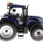 Universal Hobbies 4900 - New Holland T7225 Blue Power