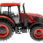 Universal Hobbies 4951 - Zetor Crystal-160