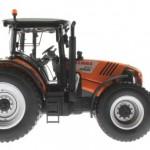 Wiking 71305 7388 7389 - Claas Arion 640 Kommunal mit Traktorstreuer und Schneepflug