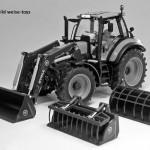 weise-toys 1045 - DEUTZ Agrotron C Shift mit Frontlader und 3 Werkzeugen (2016)